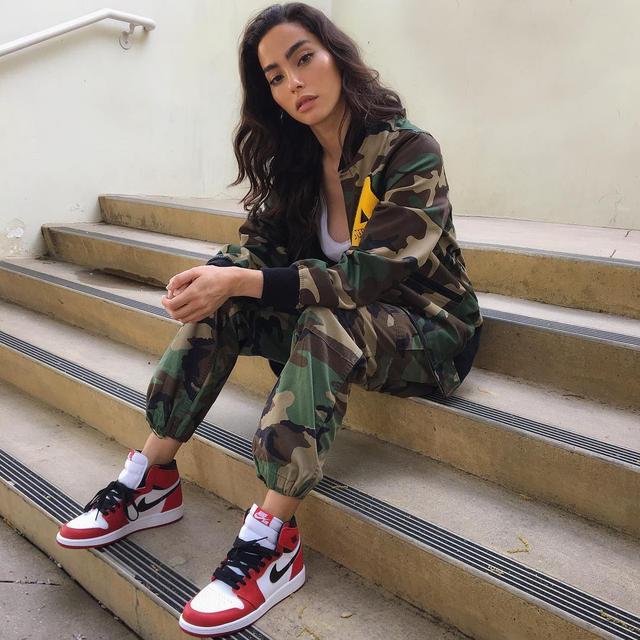 如果你的女朋友喜歡潮流,那麼送她什麼鞋比較好?-10.jpg
